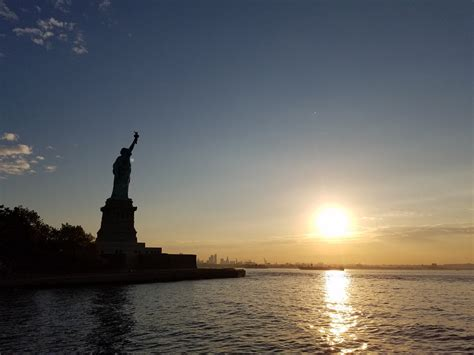 Operating Hours & Seasons - Statue Of Liberty National