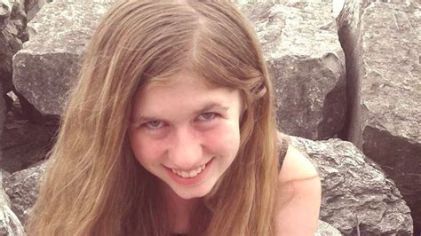 Missing teen Jayme Closs 'escapes from abductor' 3 months